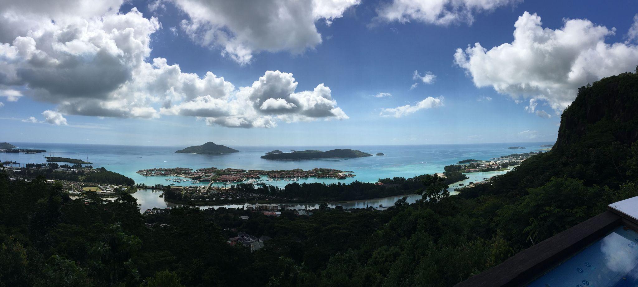 马埃岛观景台俯瞰Eden Island~