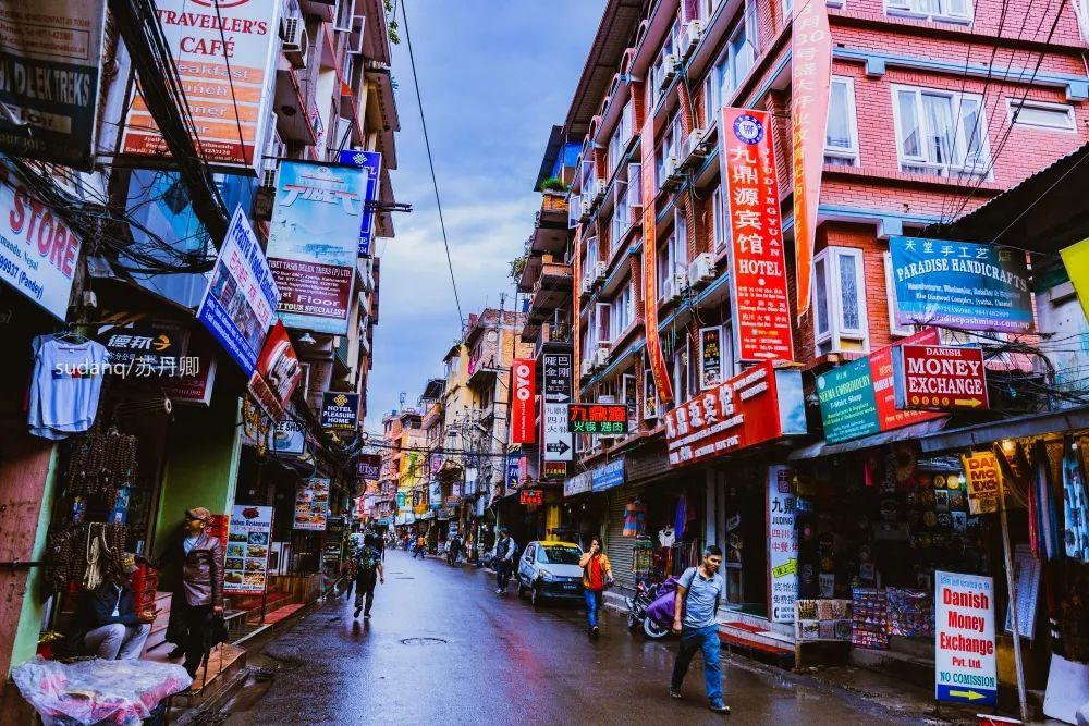 毁誉参半的尼泊尔:贫穷是真,幸福也不假